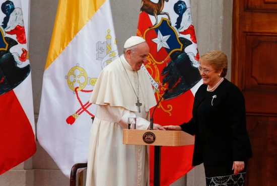 Pope urges Mapuche to avoid violence