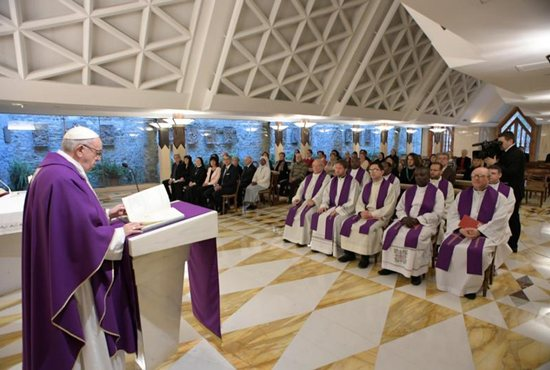 Pope Francis: Christians take risks to constantly seek out Christ