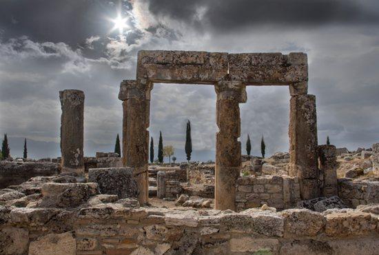Ruins, fading empires