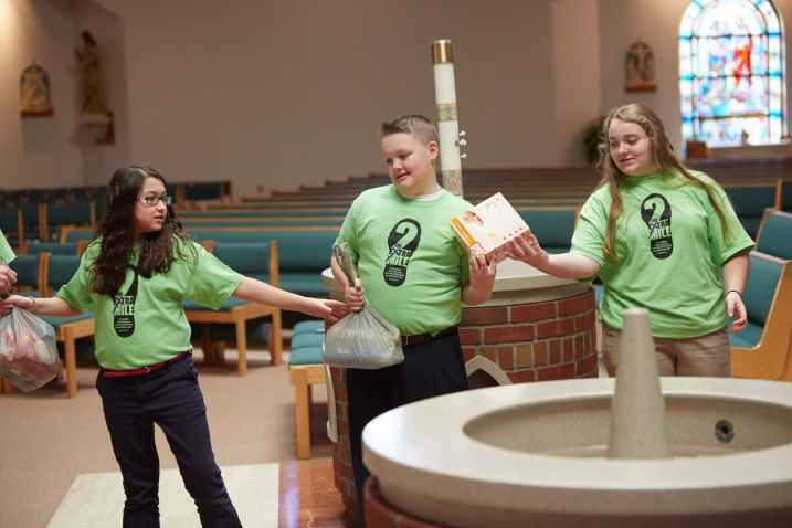 529A5280 1 - St. Margaret's, Grimes students go 'the extra mile' on day of service