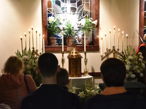 DSC 0058 1 - Holy Thursday 'church hopping' with IHM & SJW