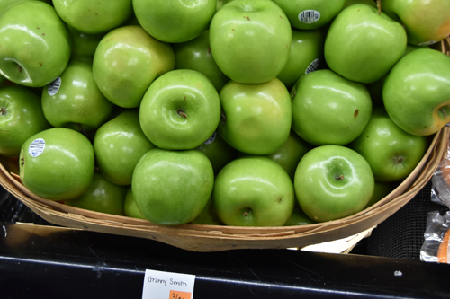 apples - Brady Market 'counting on you'