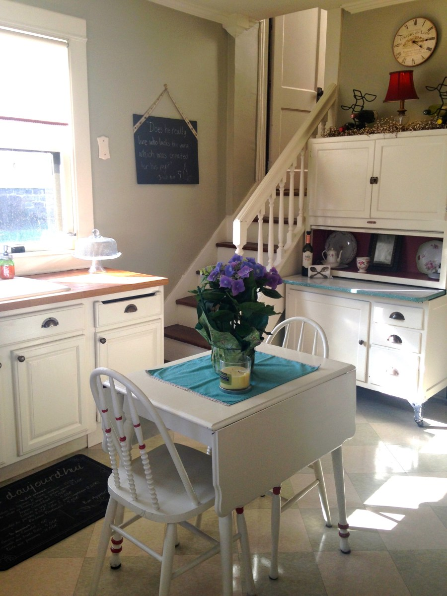 How to Make Small Kitchens Appear Bigger – The Catholic Table