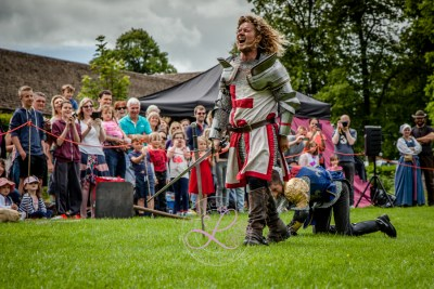 Sulgrave Manor - Medieval Tudor Wedding - Jousting Tournament with The Cavalry of Heroes - Hear The Golden Knight Roar