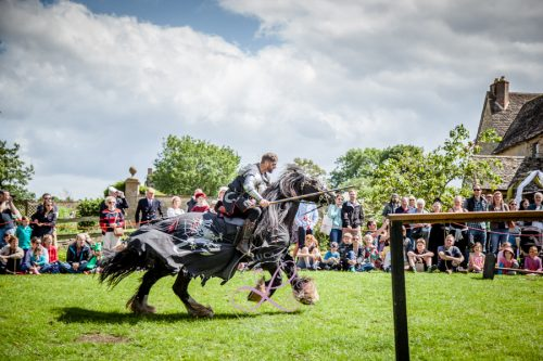 Sulgrave Manor Medieval Jousting Show 2017 - Medieval Tudor Wedding - Jousting Tournament with The Cavalry of Heroes - The Dark Knight on his way