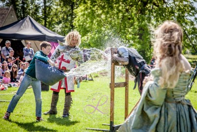 Sulgrave Manor - Medieval Tudor Wedding - Jousting Tournament with The Cavalry of Heroes - Dark Knight gets soaked