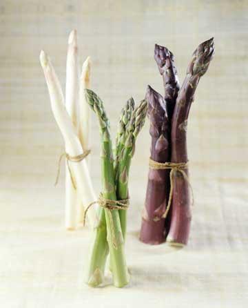 asparagus-stems-white-green-purple-plus-history-storage-wediningca.jpeg
