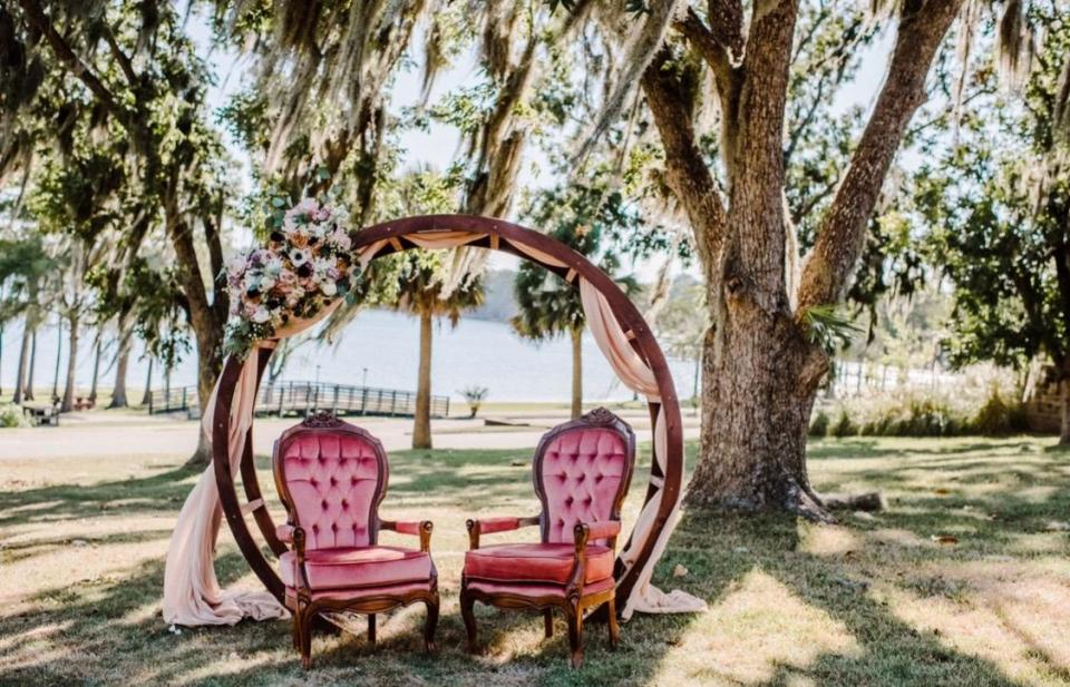 Wooden Circle Arbor & Lounge Chairs. Jennifer G. Photography; Forget Me Knot Flowers