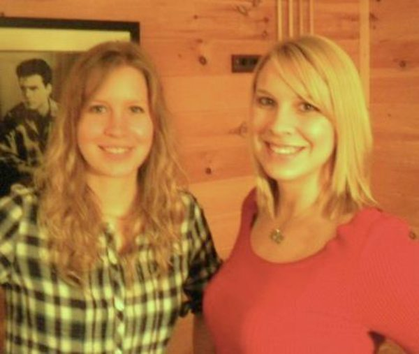 Dr. Emily Thomas and her older sister Kelly keene