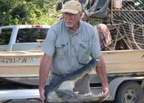 Swamp People cast Daniel Edgar