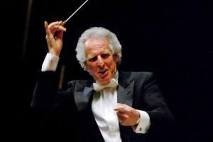 Bach: Cello Suite no. 1 - Prelude (Benjamin Zander - Interpretation Class).