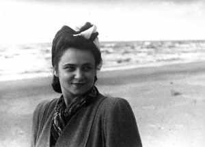 Недолгая, но яркая жизнь выдающейся пианистки Розы Тамаркиной (1920 - 1950).