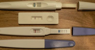 4 Weeks Pregnant Symptoms - Pregnancy kits