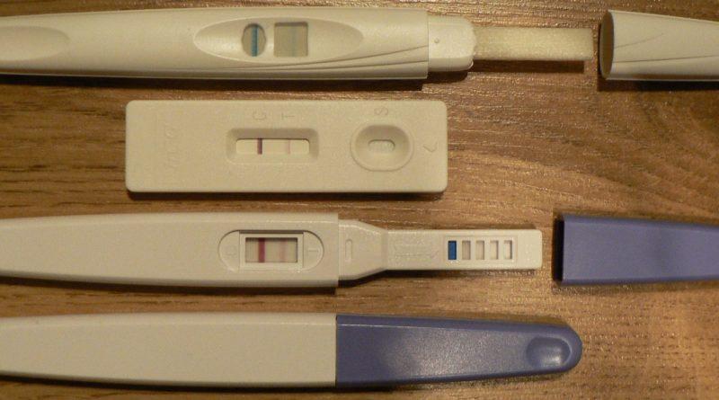 4 Weeks Pregnant Symptoms - Pregnancy kits