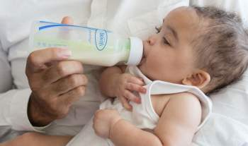 Introducing Baby Feeding Bottle To A Breastfed Child