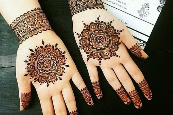 Rounded flowers Indian mehndi design