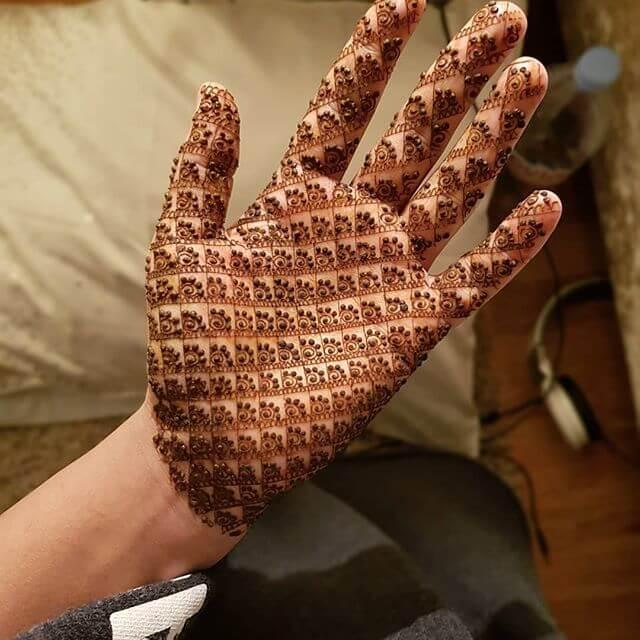 Full hand dense mehndi
