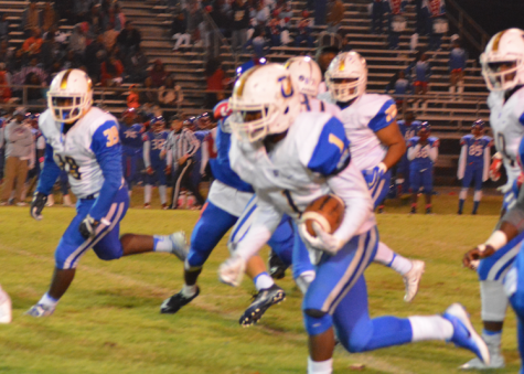 Chargers defeat Wildcats, earn playoff spot
