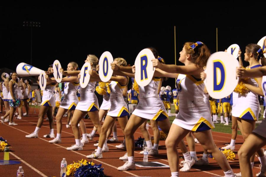 Cheerleaders+on+the+varsity+team+cheer+on+the+Chargers+at+their+game+against+Pontotoc.