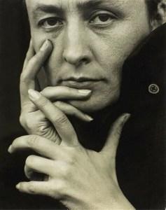 photo closeup of Georgia O'Keeffe-by Alfred Steiglitz 1918 public domain(hands)