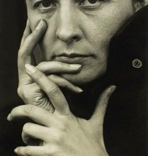 Georgia O'Keeffe-by Alfred Steiglitz 1918 public domain(hands)