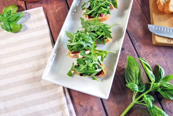 Herbed Goat Cheese Crostini with Roasted Beets and Arugula | The Charming Detroiter