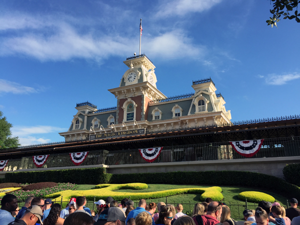 My Top 10 Favorite Places to Eat and Drink at Disney World | The Charming Detroiter