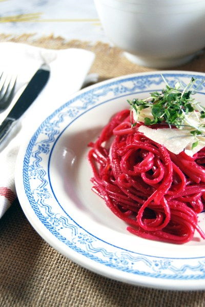 Roasted Beet and Goat Cheese Pesto with Linguine | The Charming Detroiter