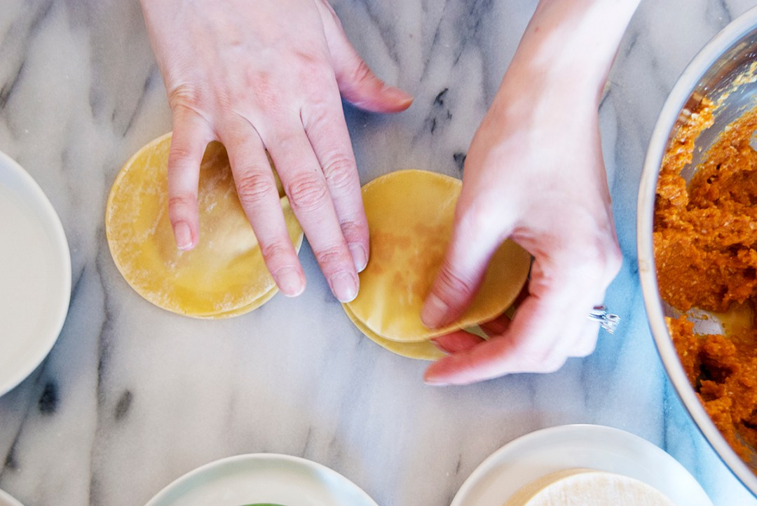 Making ravioli with wonton wrappers is a super quick weeknight dinner trick, so be sure to check out my biggest secrets to making these tasty treats!