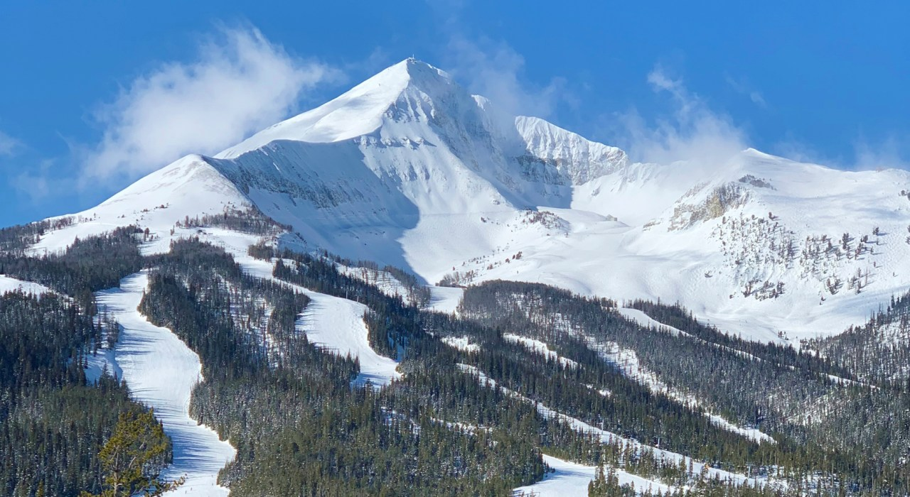 Today I'm continuing on my trip recap of our recent ski vacation to Big Sky, Montana! Join me as we hit the slopes (and the hot tub, of course)!