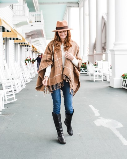 Today I'm sharing all my favorite outfits I wore on our recent vacation to Mackinac Island: the perfect summer-to-fall transitional looks!