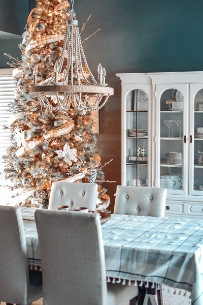 It's a modern farmhouse Christmas over here at Two Lakes Lodge! Today I'm sharing our 2020 modern farmhouse Christmas home decor!