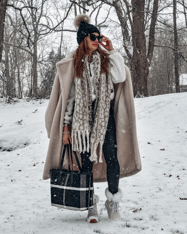This winter snow day OOTD is perfect for staying toasty warm while the snow falls down!