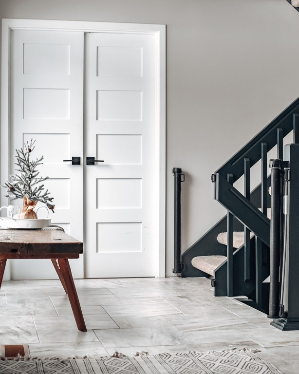 Today on the blog, I'm sharing our recently completed DIY project: our modern farmhouse foyer!