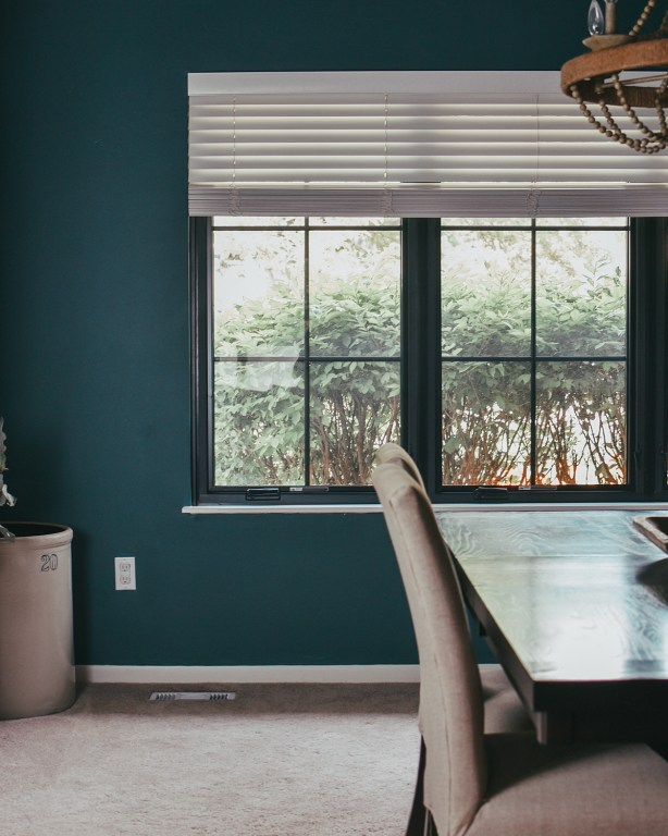 After half a year of waiting, it's finally here: our modern farmhouse windows reveal! I'm sharing what we would do again next time (and what we wouldn't)!