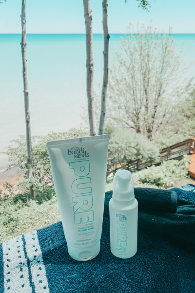 Are you sick of trying every new self tanner under the sun, trying to get that perfect summer glow? Look no further - I found the best one! Sharing all about my summer tanning routine on the blog today!