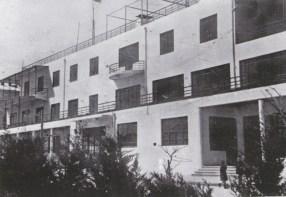 Aleksandr and Leonid Vesnin, workers' housing Azerbaijan region (1933)