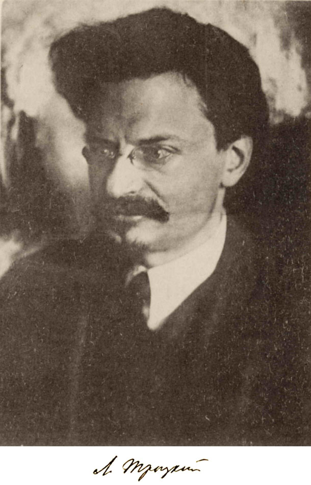 Signed photograph of Trotsky (1924)