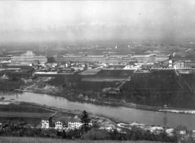 1925. Veduta panoramica dello stabilimento Lingotto dalla collina torinese