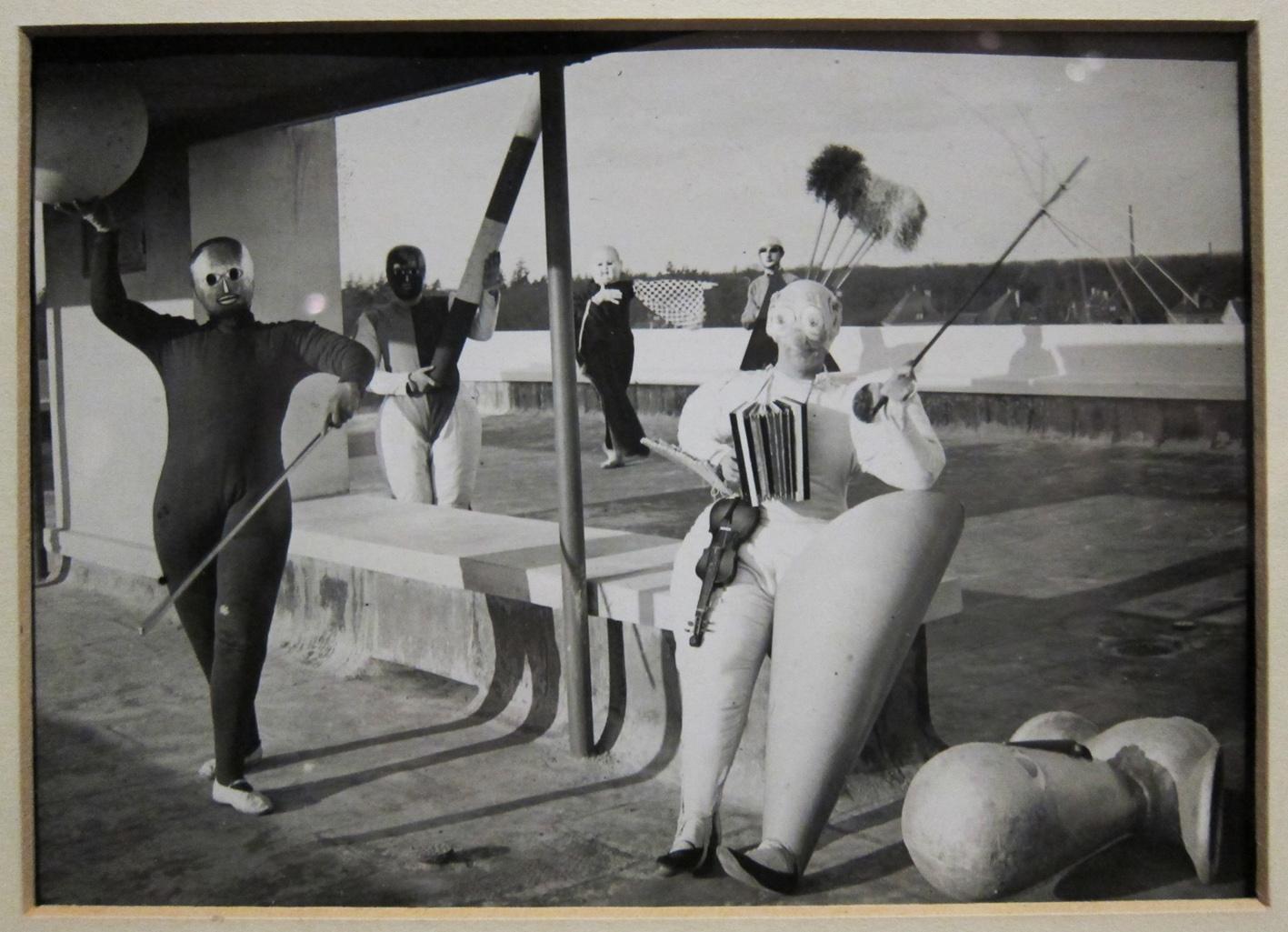 Bauhaus-costumes-4
