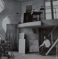 An older Mel'nikov inside his house (1960s)