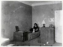 Niegeman's and Gerda Marx's room, with Gerda and Pitt the dog on their bed