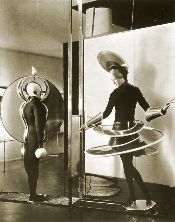 Schlemmer, costumes for the Triadic Ballet (1924)