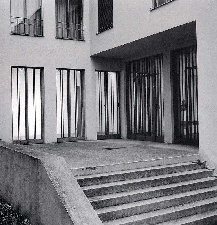 HAUS WITTGENSTEIN. El acceso a la galería por el lado sudoeste, que ingresa al comedor (The Wittgenstein House, Bernhard Leitner, Princeton Architectural Press).