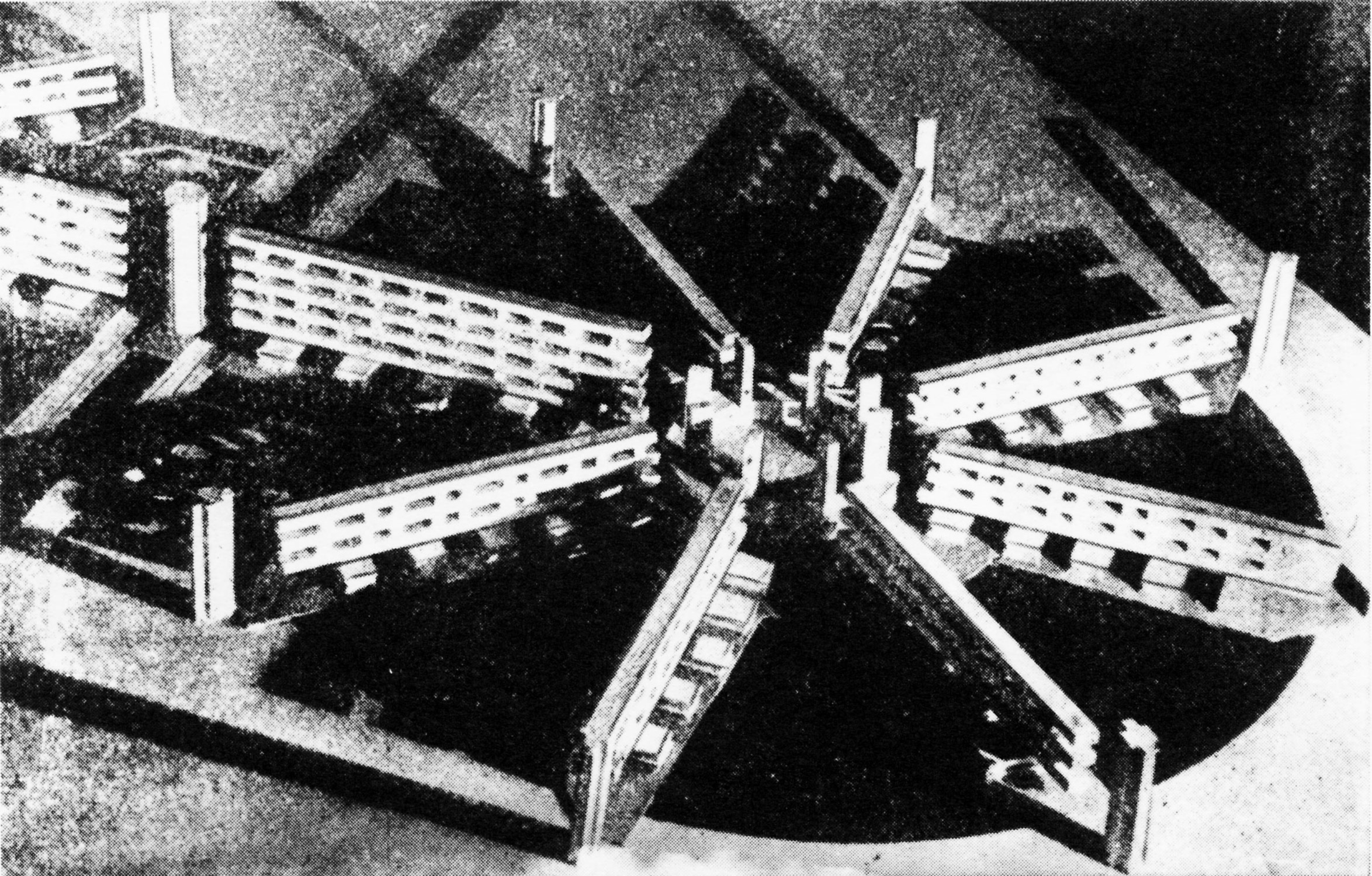 "V. Popov, Diploma project on the theme of the ""New City"" (1928), studio of Nikolai Ladovskii, housing commune model"