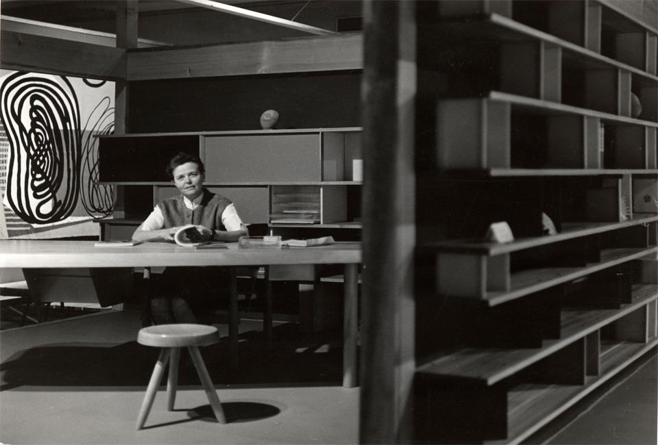 Charlotte Perriand and 'Nuage' at the Expo Synthèse des Arts Tokyo, 1955; photo by Junzo Inamura