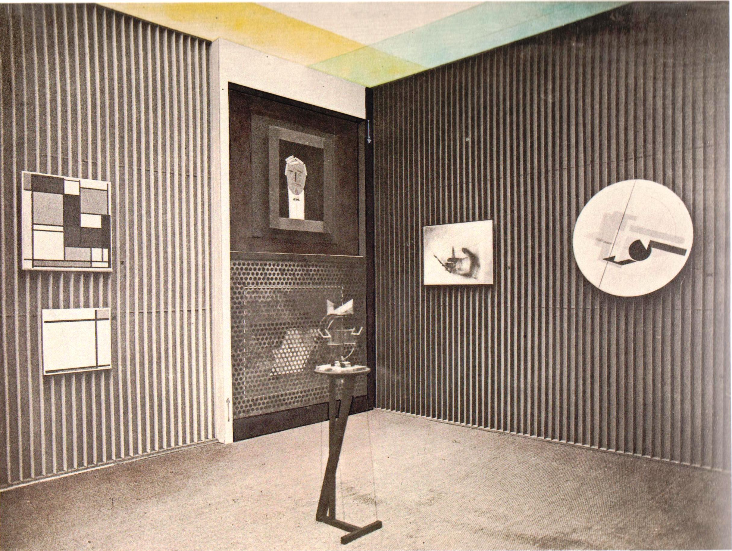 Интерьер зала конструктивного искусства на Международной художественной выставке в Дрездене. 1926a