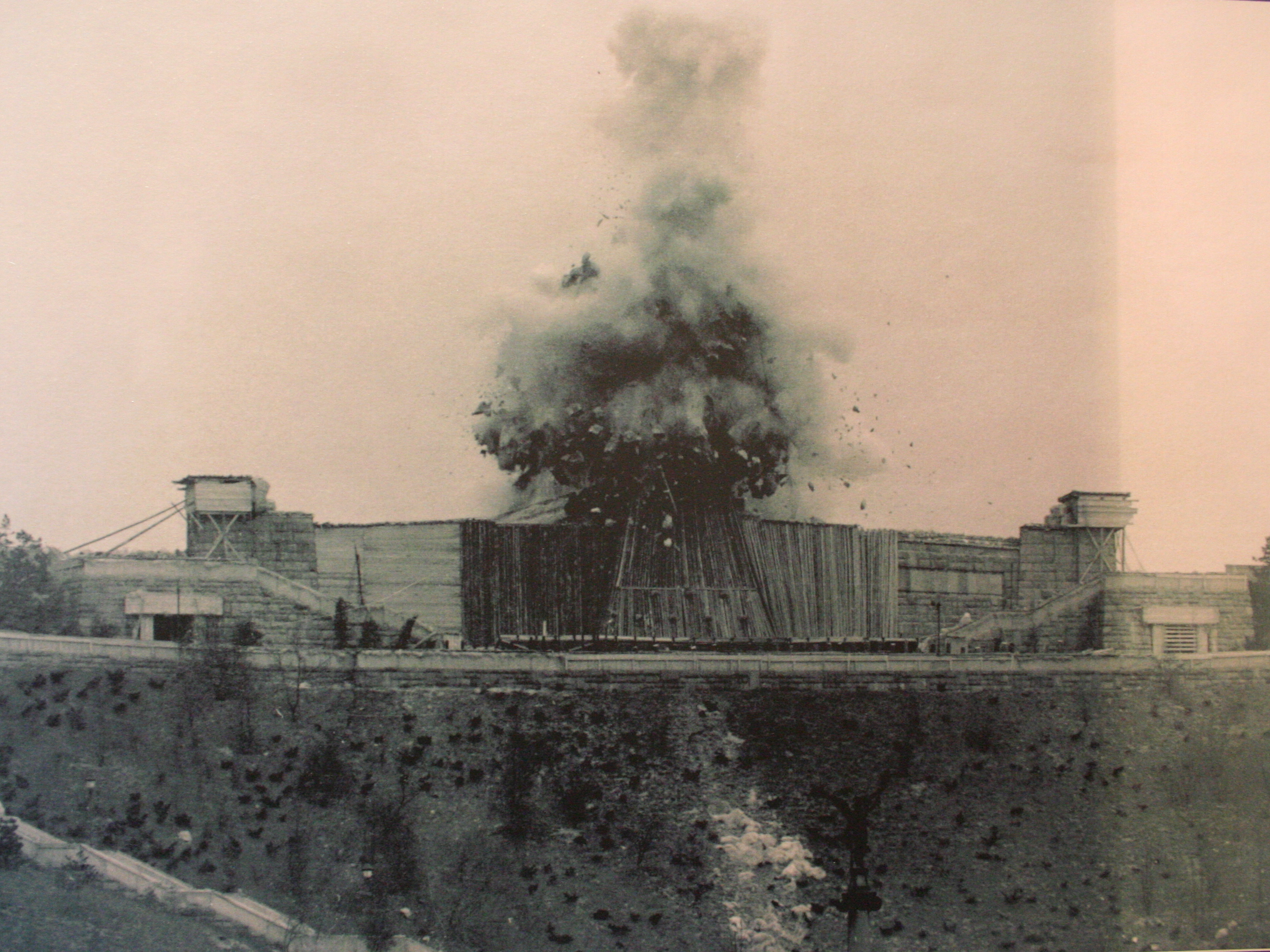 blowing up the Stalin monument in 1962