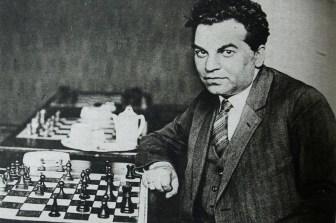 Richard Réti zomrel 6. júna 1929 vo veku 40 rokov v Prahe na šarlach.