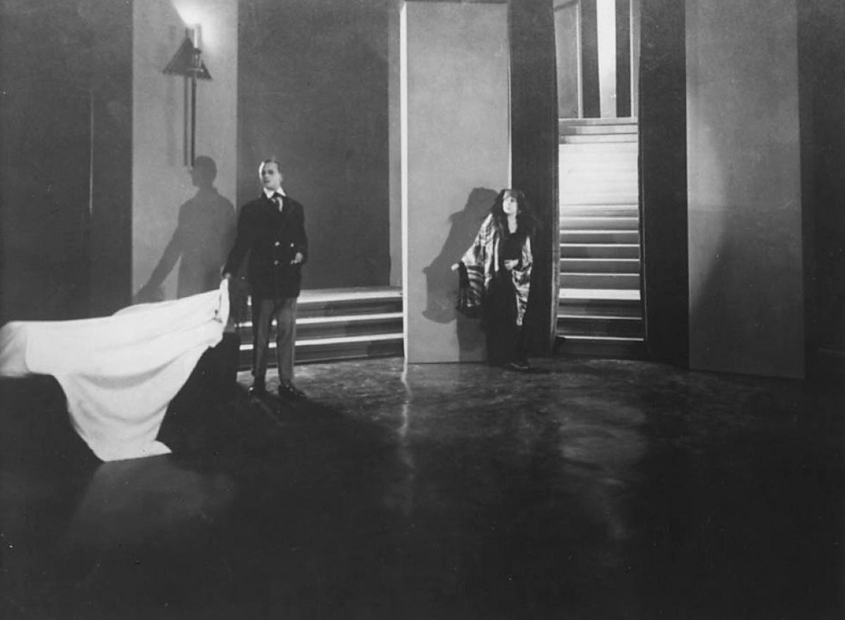 Georgette Leblanc in L'inhumaine directed by Marcel L'Herbier, 1924 d